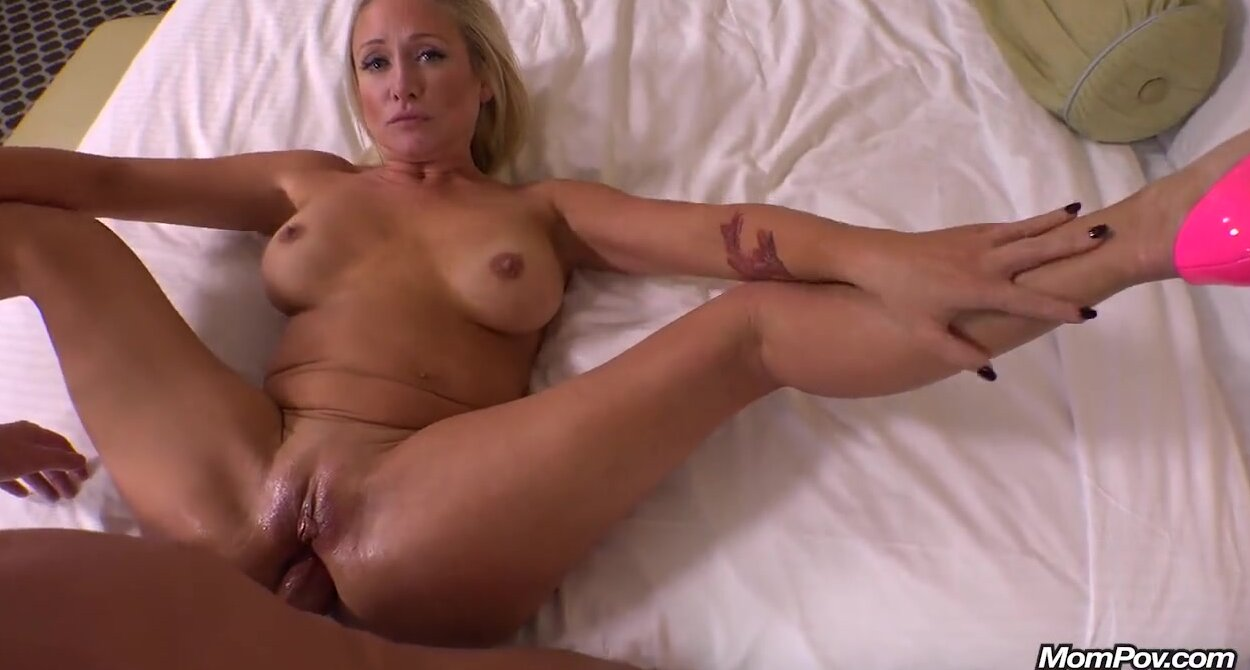 Brunette Mom Son Creampie Pov