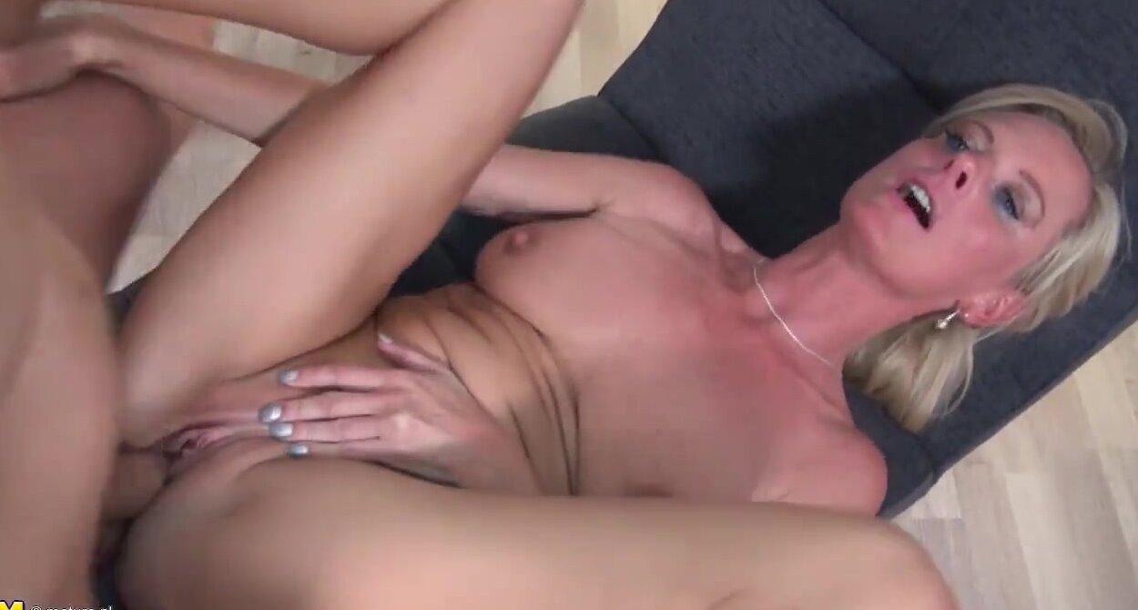 Mum Moie Porn Mature mature super mom fucks son hard and long