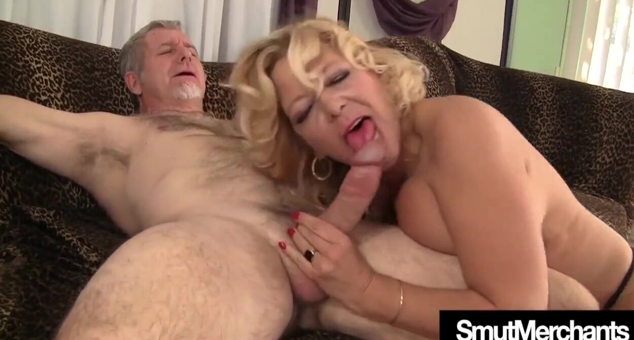Hairy Pussy Massage Fuck
