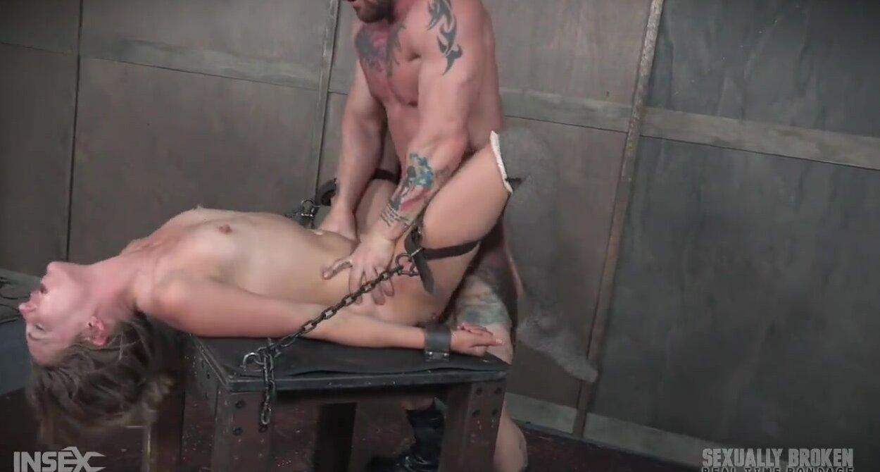 Mona Wales Bondage Fucked
