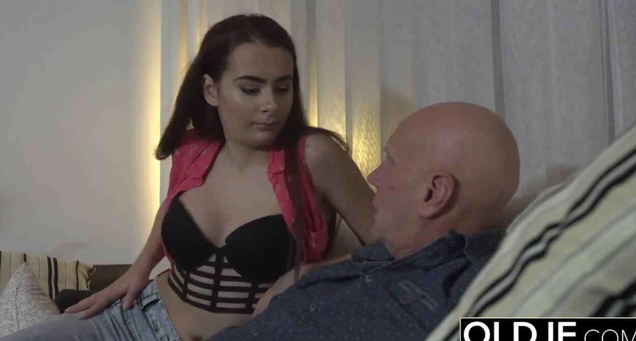 Dad Fucks Daughter Outdoors