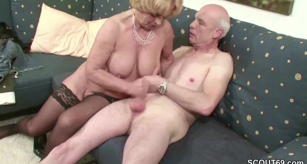 Anal insertion porn