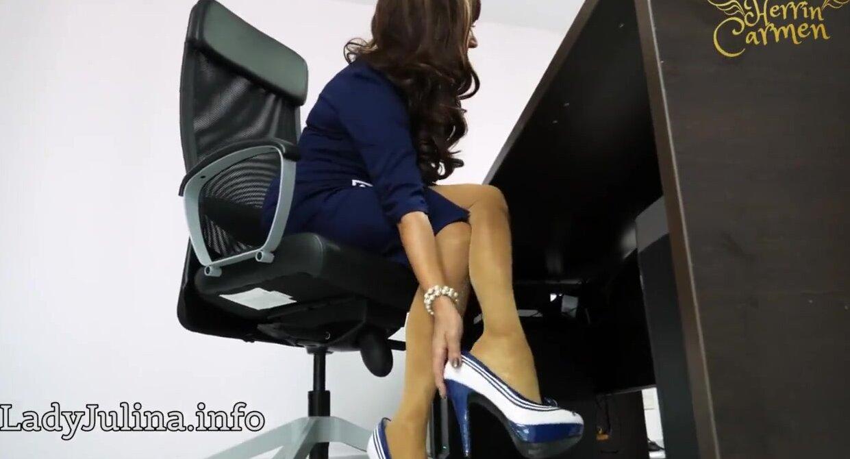 frau sex in high heels strumpfe