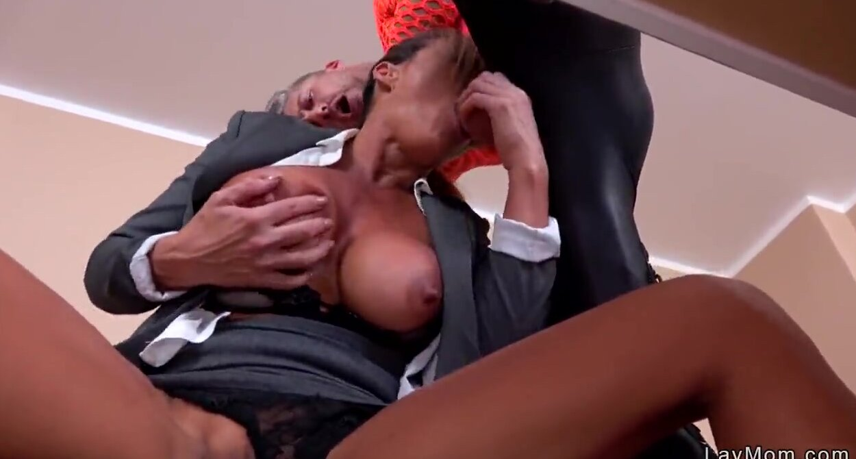Johnny Castle Licking Pussy