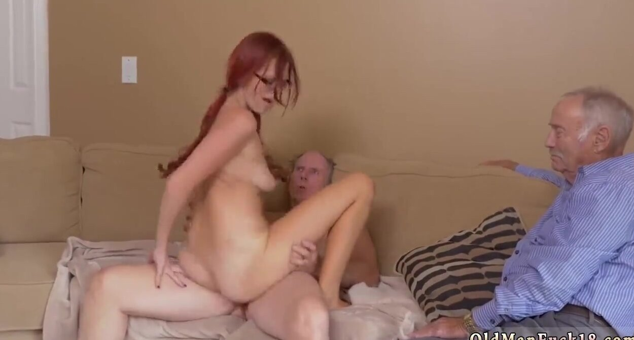 Amateur Girl Fingering Solo