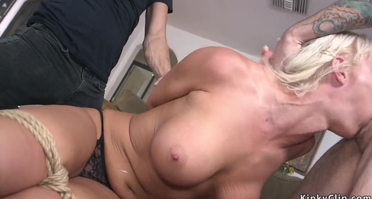 Big Ass Amateur Wife Gangbang