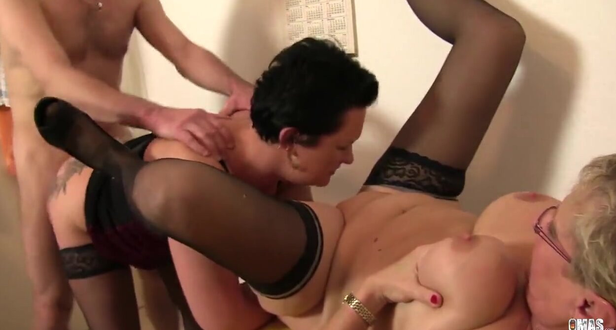 Hot Blonde Teen Threesome Hd