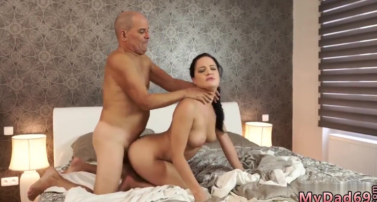 Baby Sitter Threesome Hd