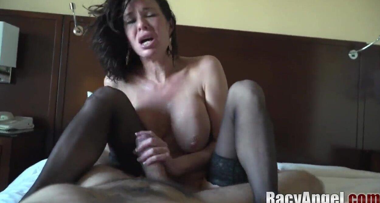 Veronica Avluv Squirt Fist