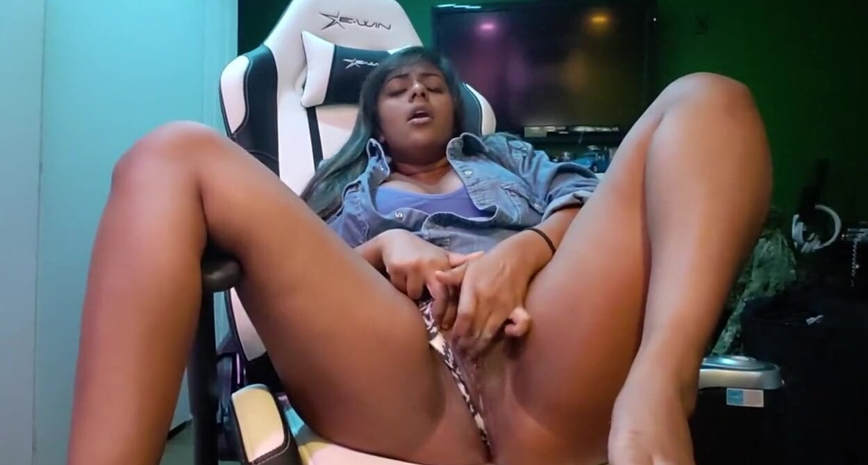 Black Girl Riding White Dick