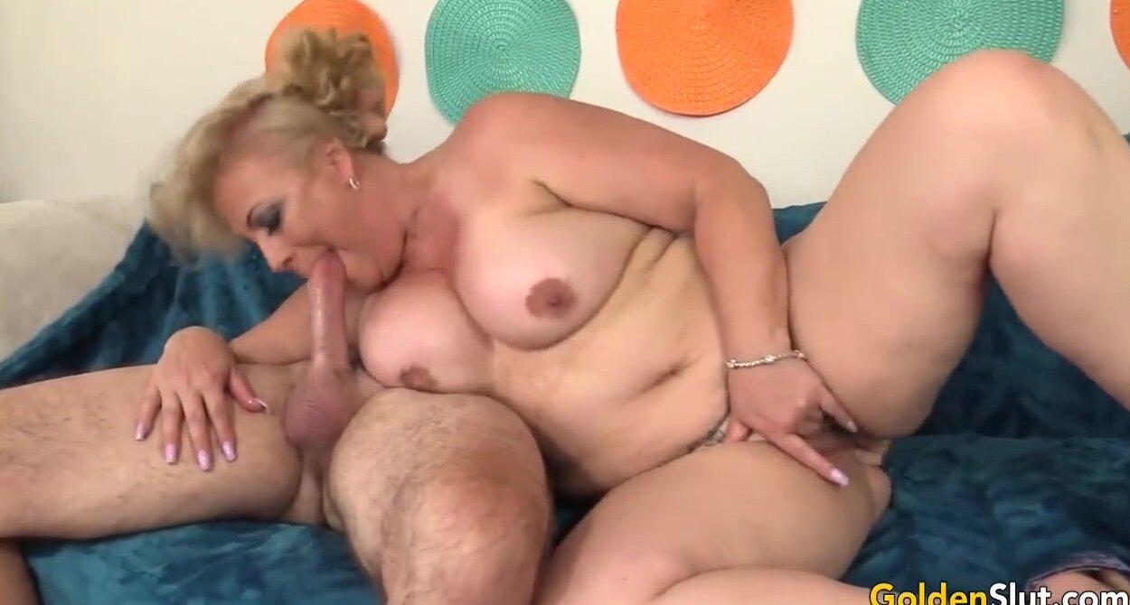 Curvy Blonde Rides Dildo