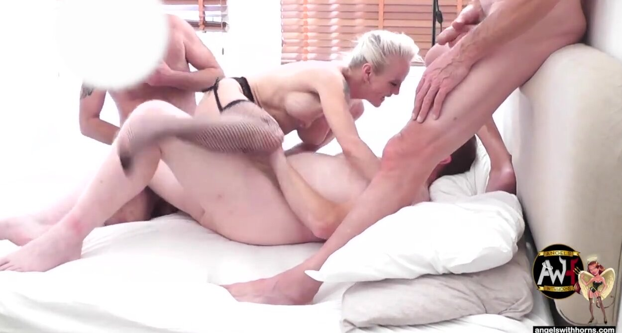 French Extreme Anal Gangbang
