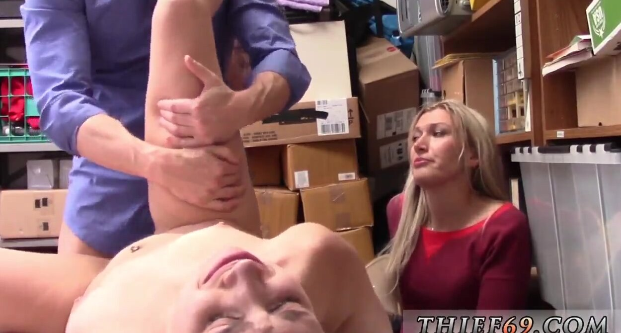 Amateur Teen Anal Fisting