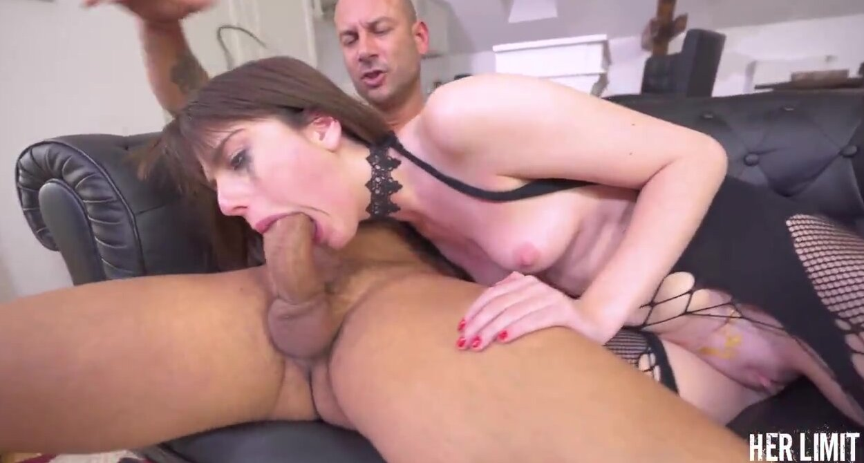 Actriz Porno Pink sara bell is having rough anal sex with a man who is not her partner