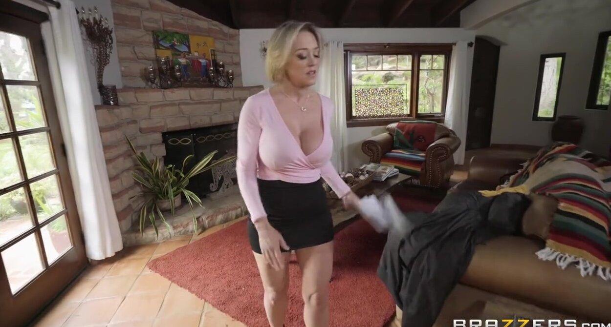 Stepmom Has Sex Stepson